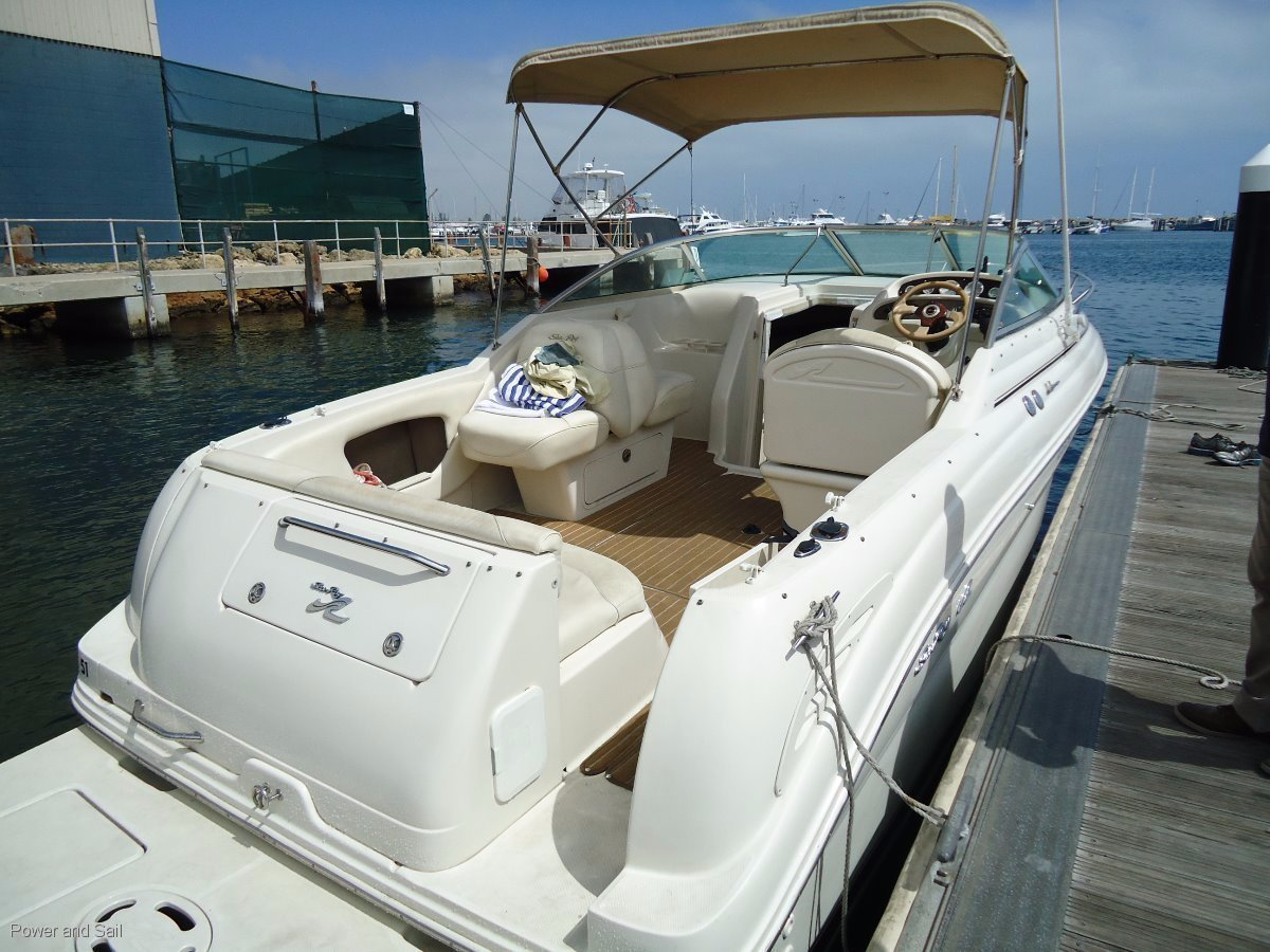 Sea Ray 245 Weekender **Stored in doors new leg, manifolds & risers **