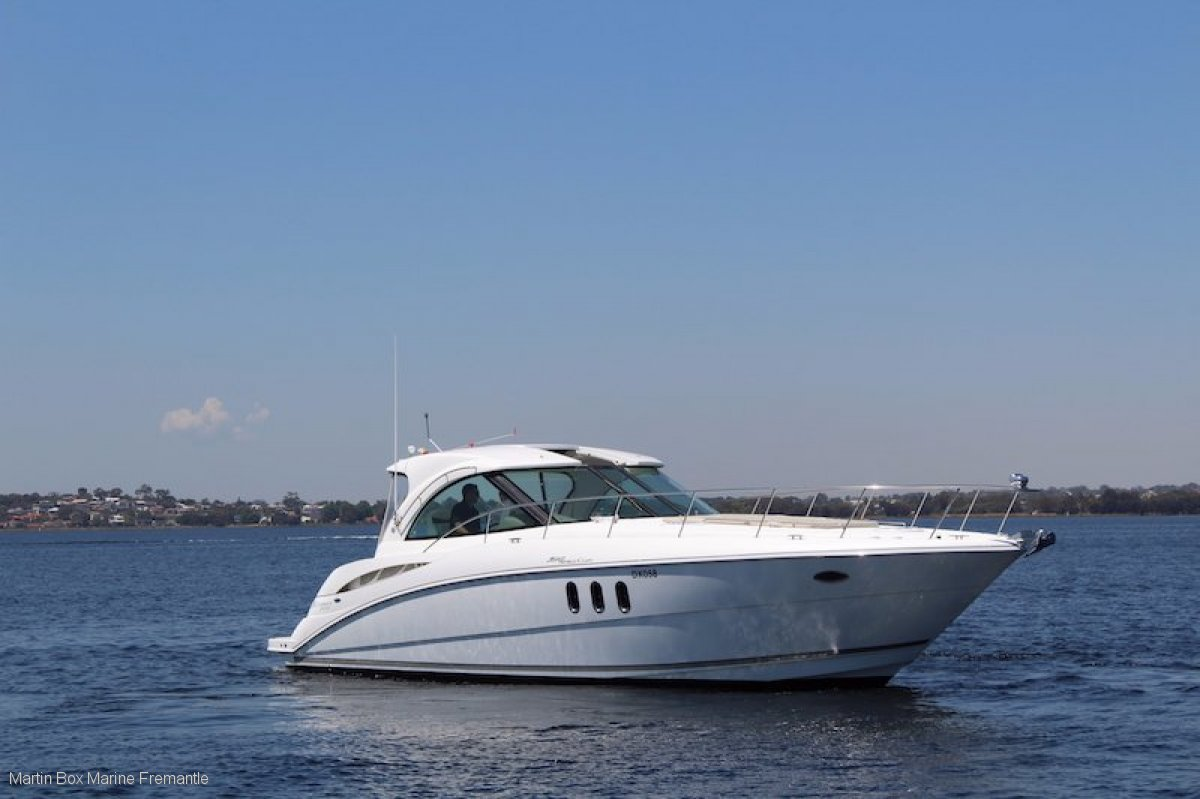 Cruisers Yachts 390 Sports Coupe Twin Diesel Shaft Drive