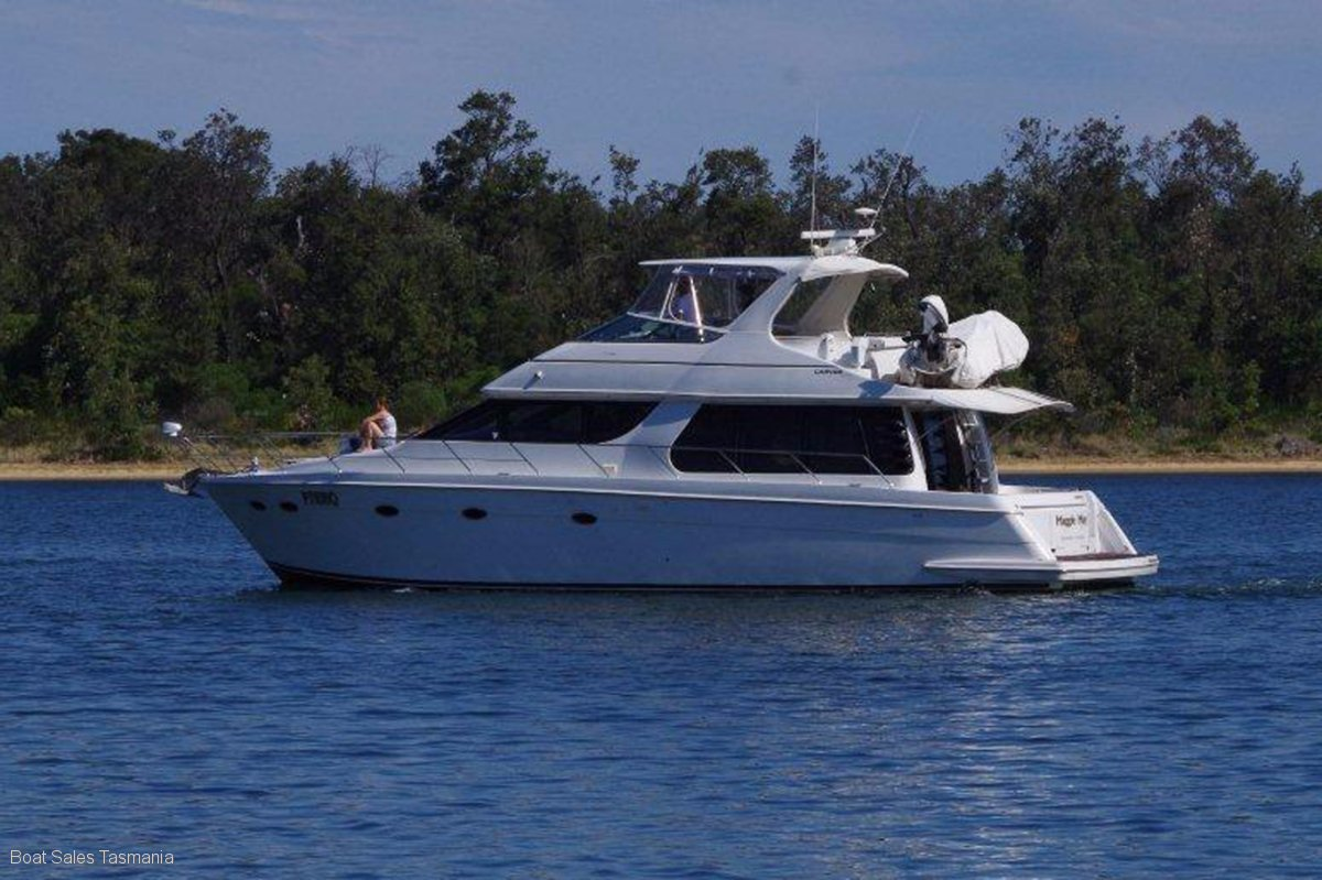 "Carver 530 Voyager ""Maggie May"""