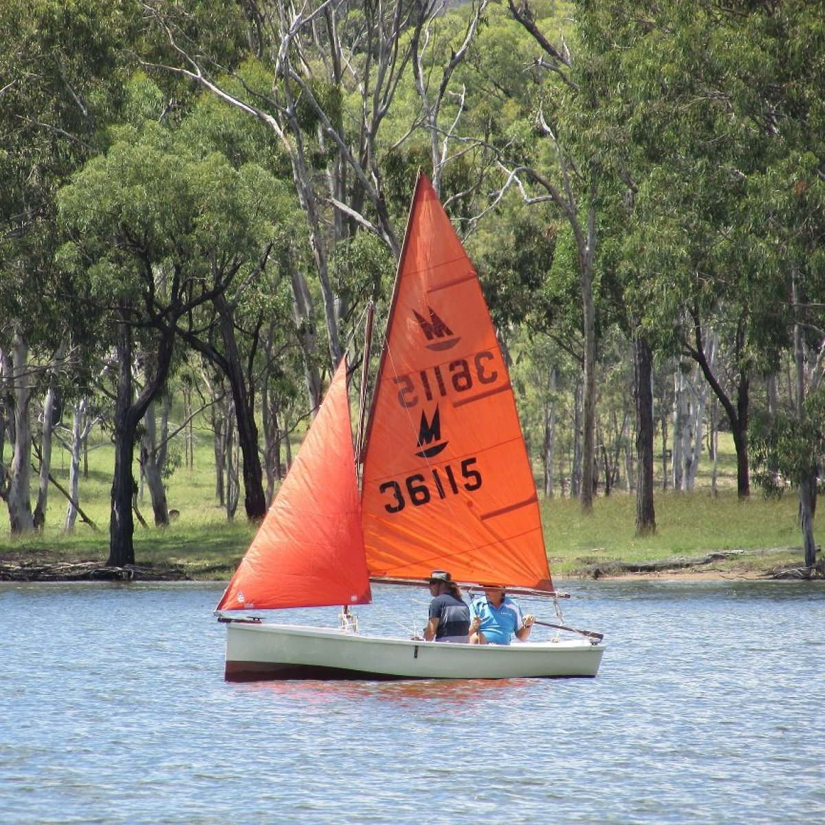 Classic Dinghy - row, sail or motor