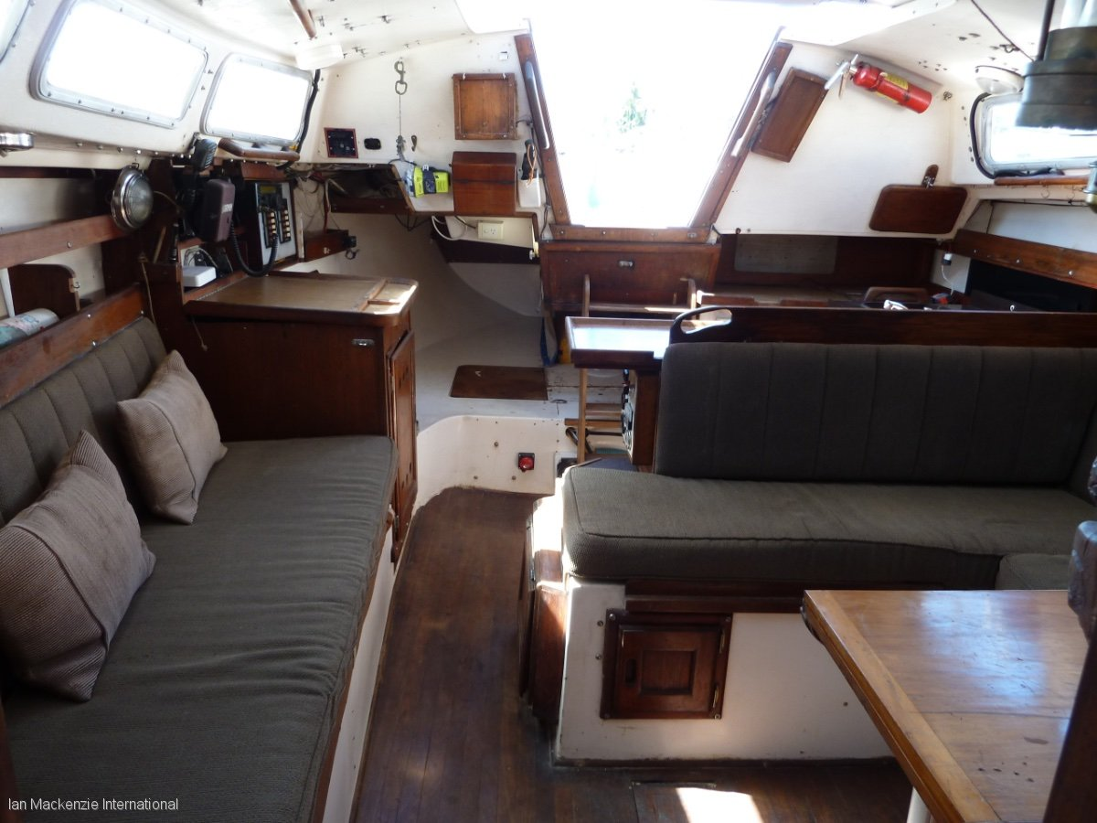Catalina 30 Cruising Yacht