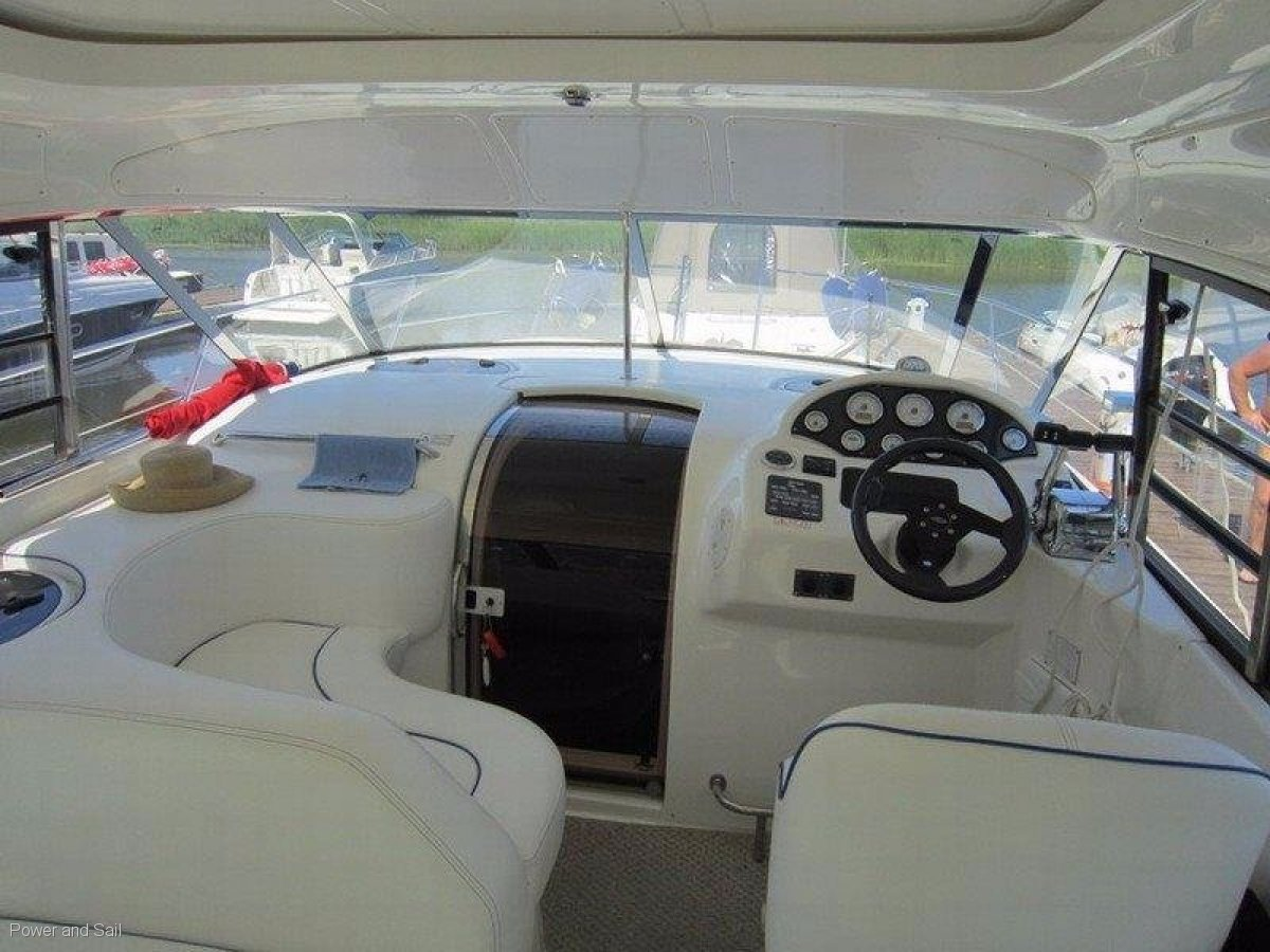 Bavaria 330 Hard Top **LOW HOURS **