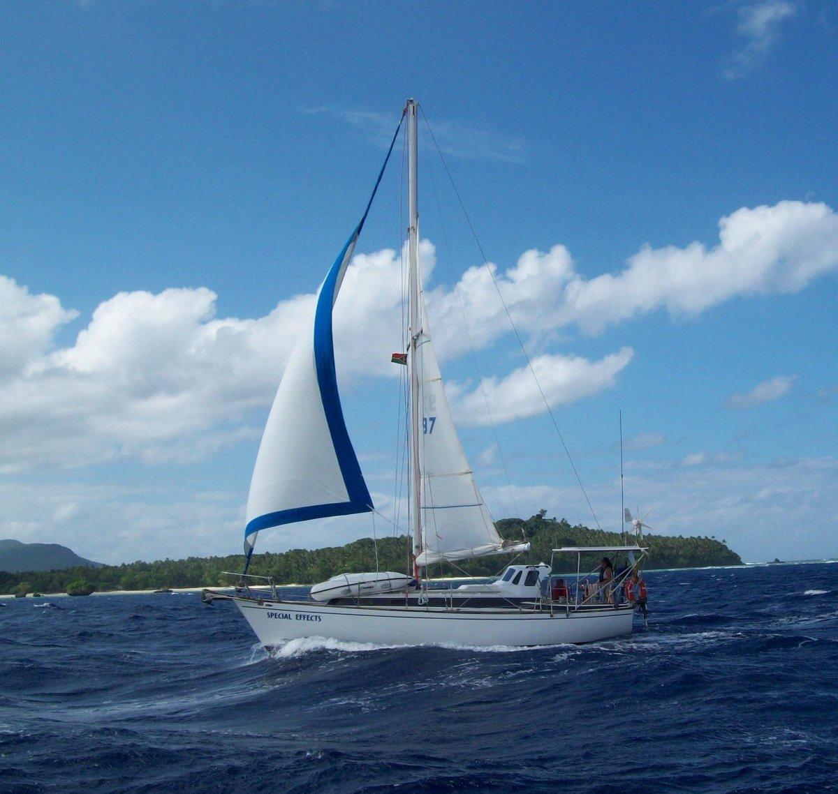 Pearson 323:Under sail Vanuatu