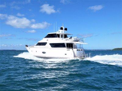 Horizon Yacht 68