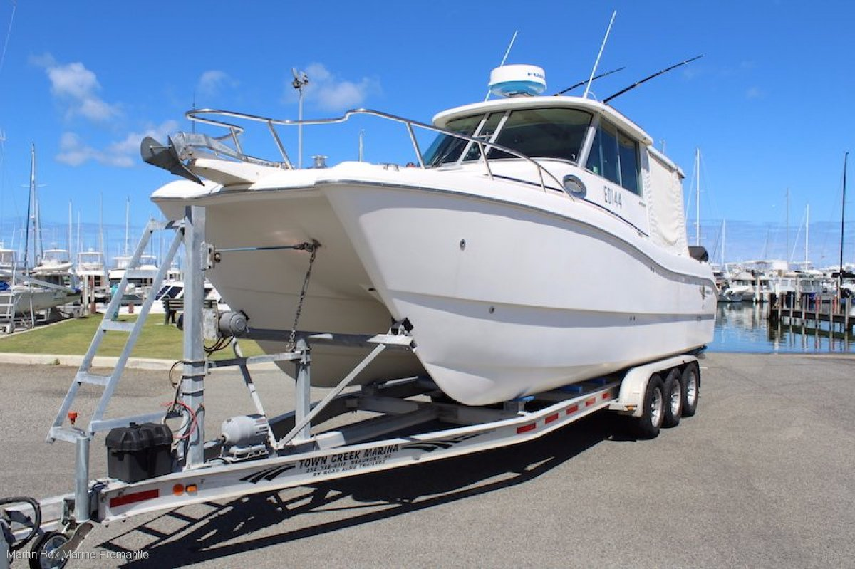 World Cat 270 HT with Twin Four Stroke Outboards