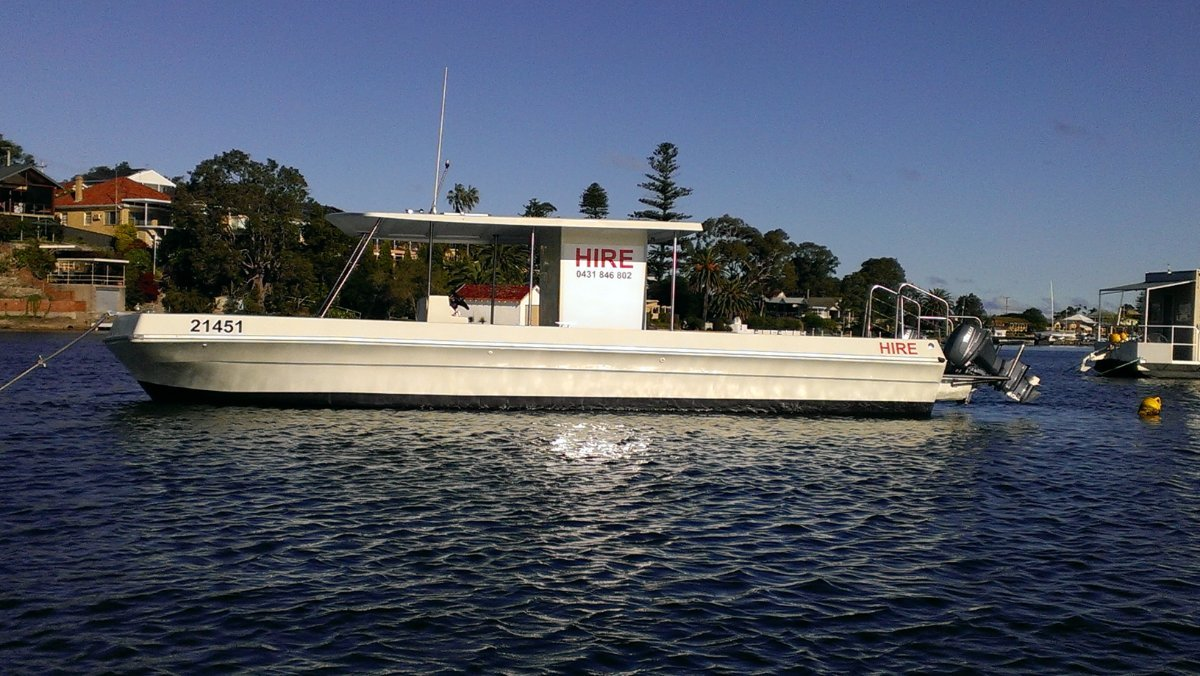 Vickers 33 BBQ pontoon In National Survey 4E & 2E.