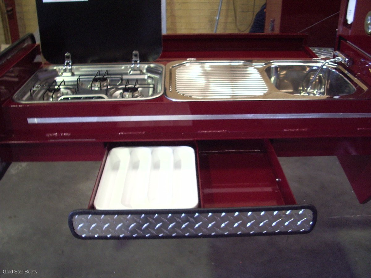 Goldstar TOW LITE CAMPER 4 X 4