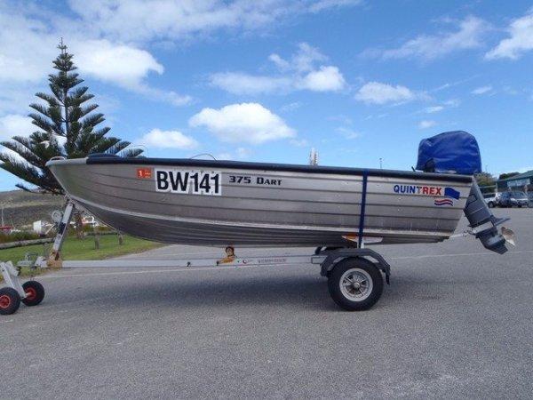 Quintrex 375 Dart open dinghy