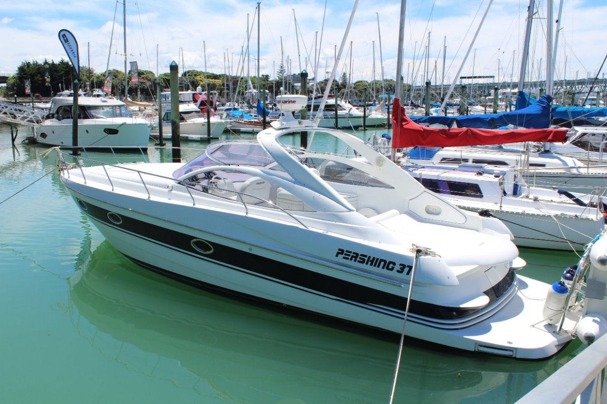 Pershing 37 Sports Cruiser