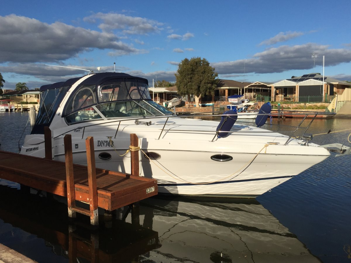 Four Winns Vista 318 Awesome boat with Air-cond!!