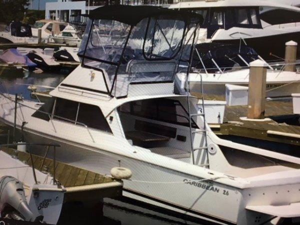 Caribbean 26 Flybridge Sports Fisherman:Large volume boat