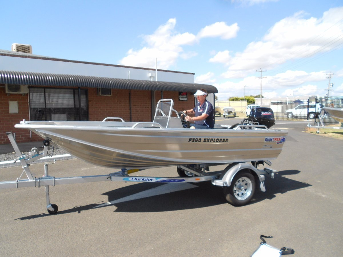 Quintrex 390 Explorer With Side Console