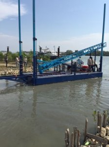 8m Truckable Pile Driving Barge