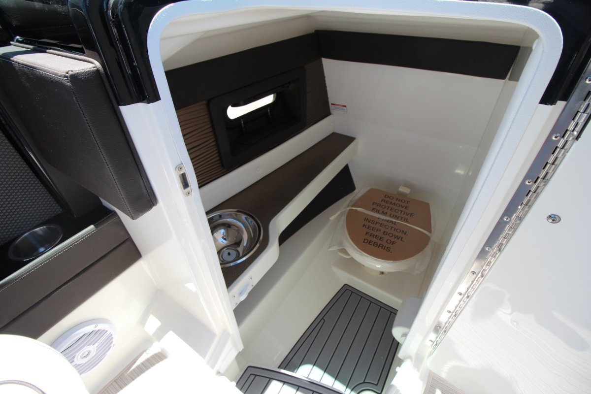 Sea Ray 250 SLX Bowrider