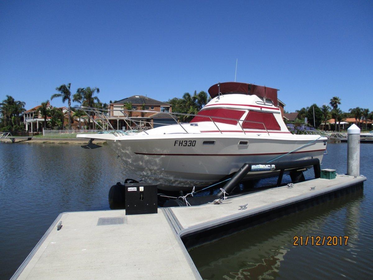 Randell 28 Flybridge Cruiser