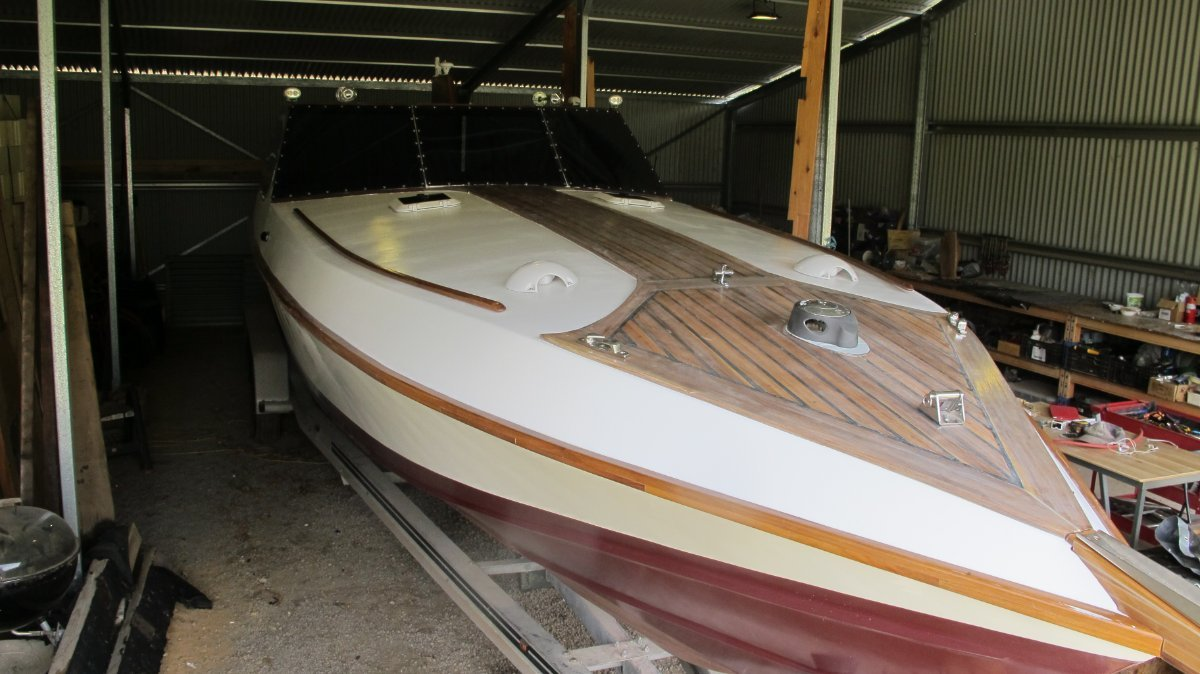 Bandido 11 - Retro Classic Offshore Performance:Final paint to be done.