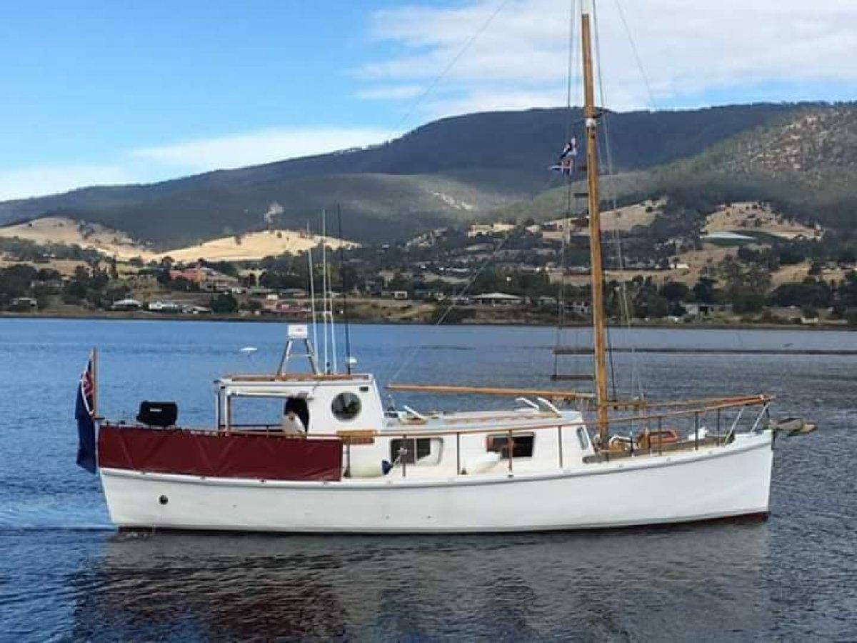 Tasmanian Timber Motorsailer URGENT SALE REQUIRED
