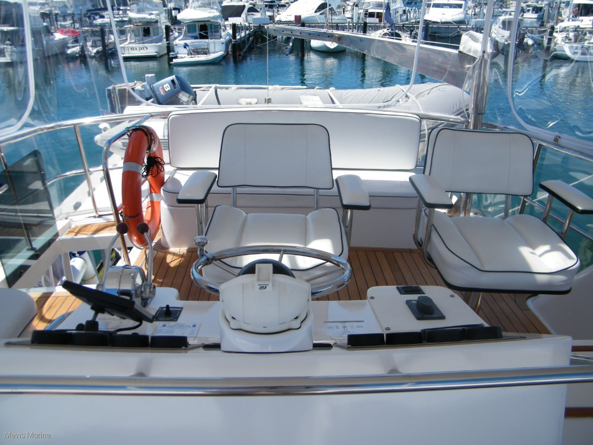 Thomascraft 46 Flybridge Custom 3 Cabin [Riviera, Caribbean, Sea Ray]