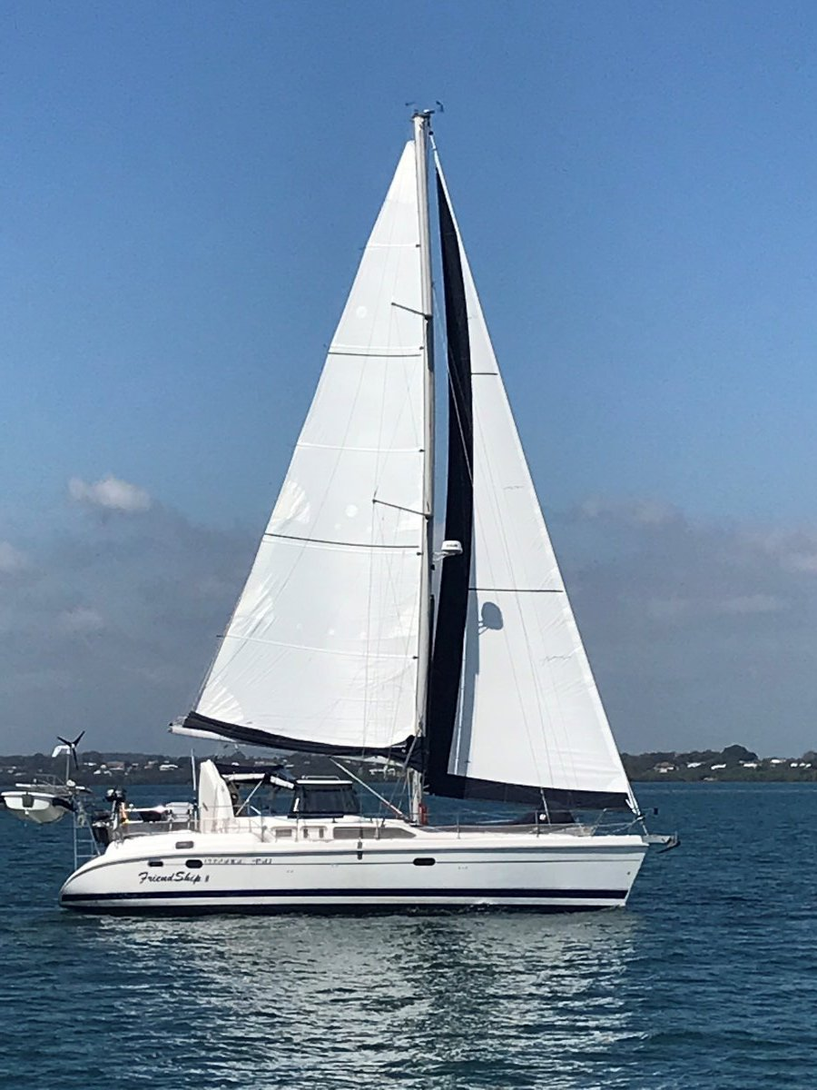 Hunter PASSAGE 450 CENTRE COCKPIT:Under sail