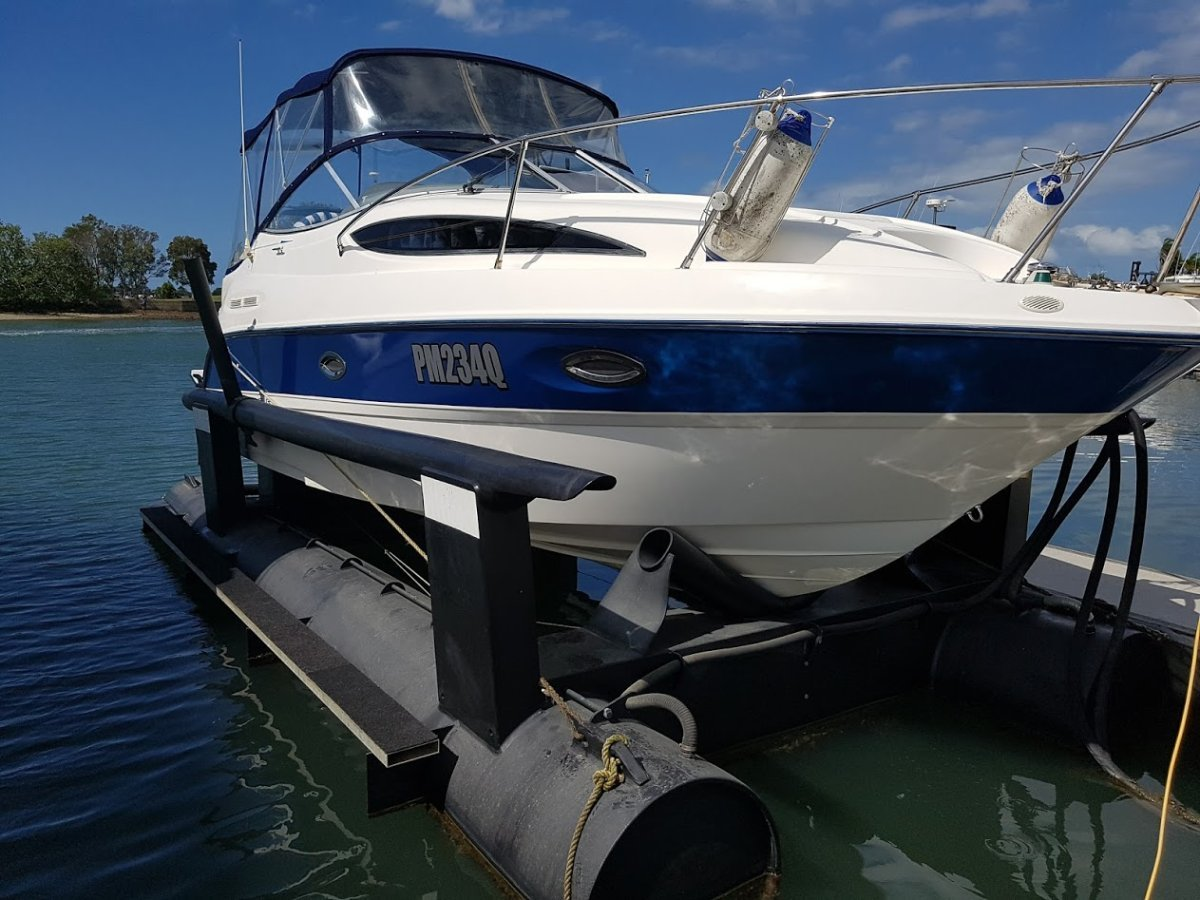Air dock to suit up to 8.5 metre boat weighing up to 3500kg