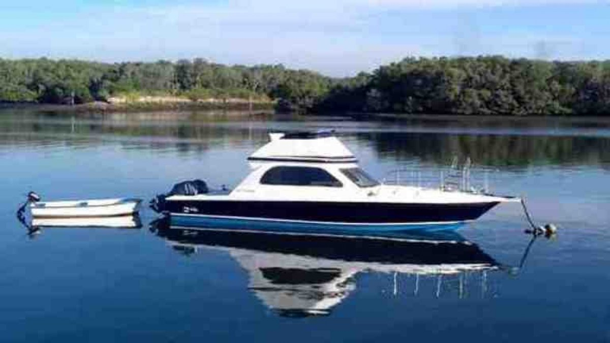 39ft Power-Boat with 2x 150HP Yamaha 4-strokes