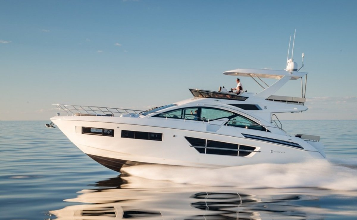 Cruisers Yachts 60 Flybridge Cruiser