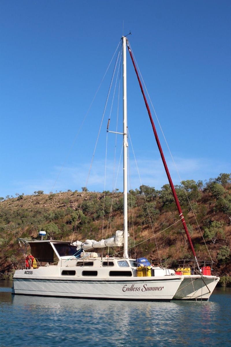 Imp 10m sailing cat