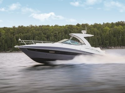 Cruisers Yachts 350 Express Sports Cruiser