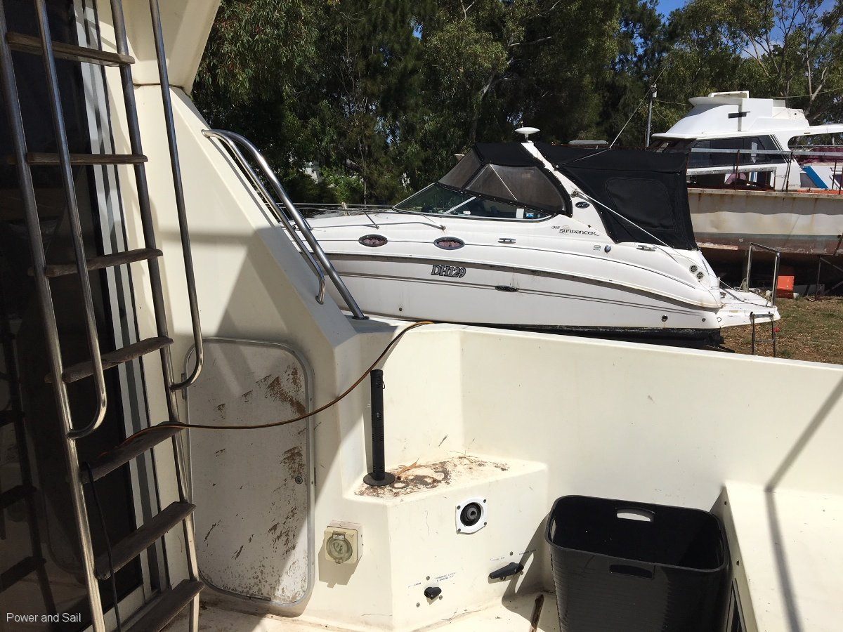 Fairline **PROJECT BOAT **Motors run but need work**