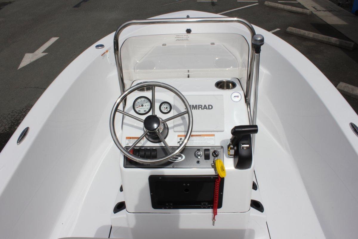 Sportsman Island Reef 17 Centre Console + Yamaha F70LA