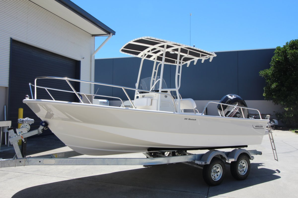 Boston Whaler 190 Montauk Centre Console