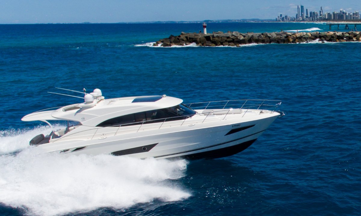 Riviera 5400 Sport Yacht - NEAR NEW