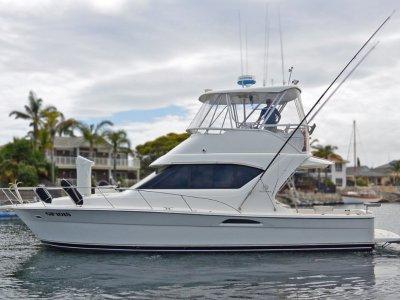 Riviera 3850 Flybridge Cruiser