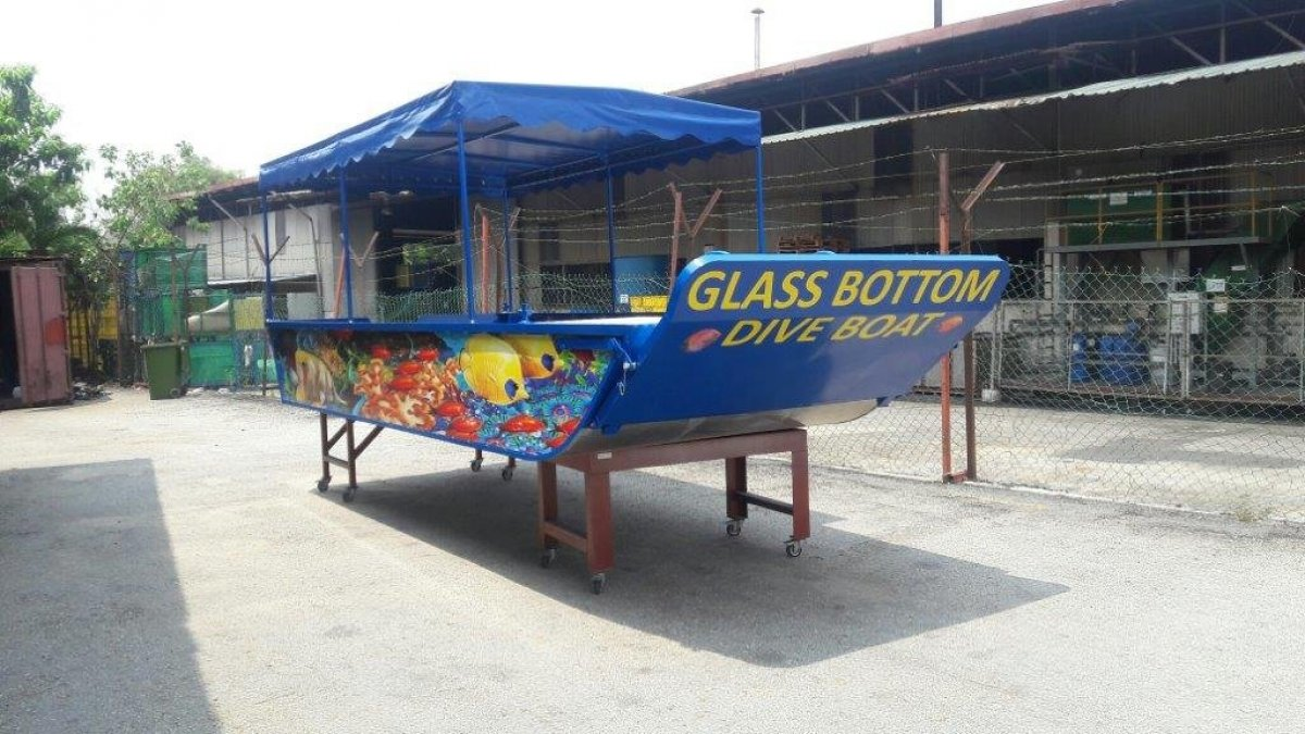 Sabrecraft Marine Resort Glass Bottom Dive Boat 5.90m - 12 Passengers