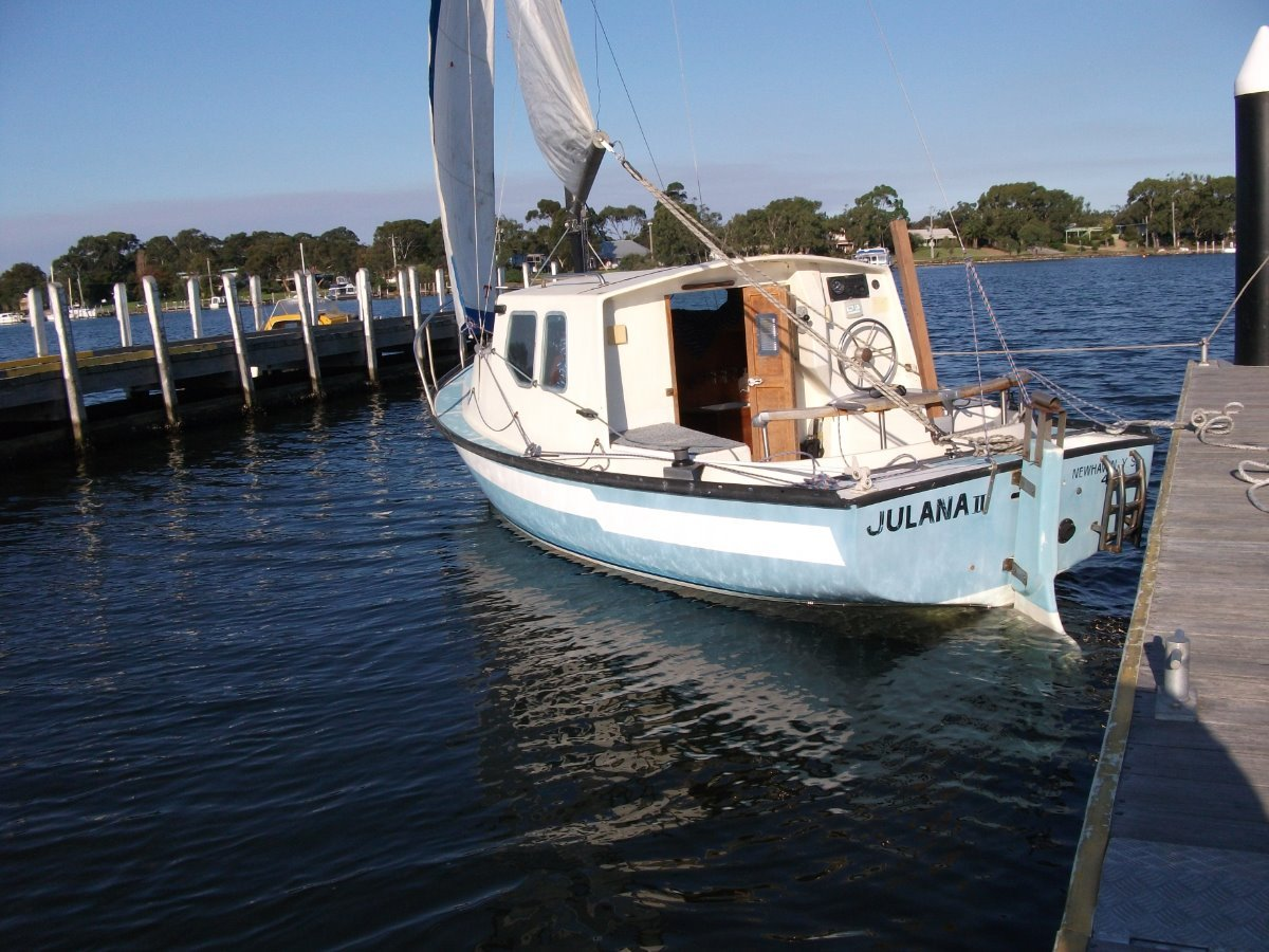 Gilcraft 20 classic fibreglass couta hull