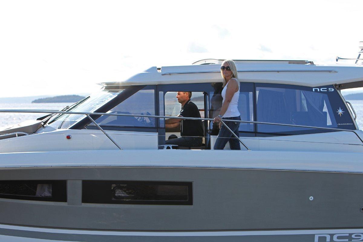 Jeanneau NC 9 Inboard Powerboat + Volvo D4-260DP 260hp Diesel