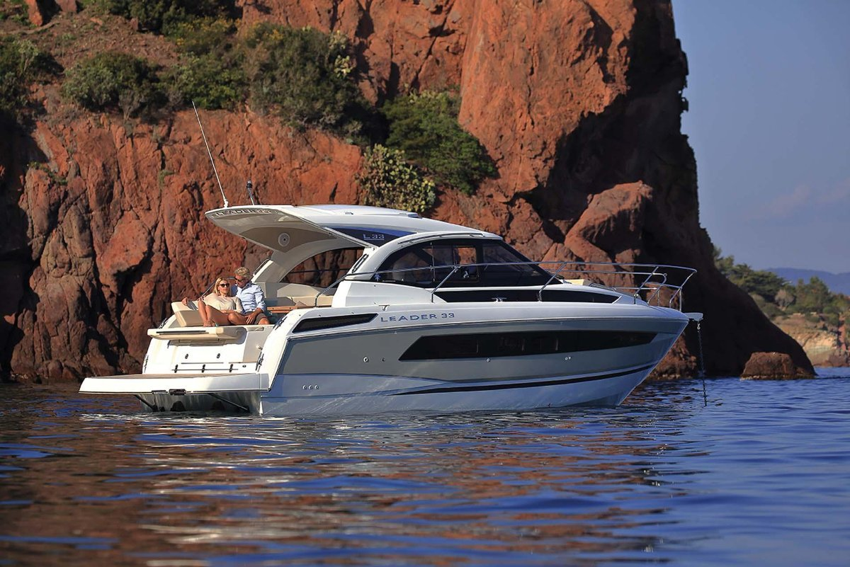 Jeanneau Leader 33 + MerCruiser 4.5 2X 250hp