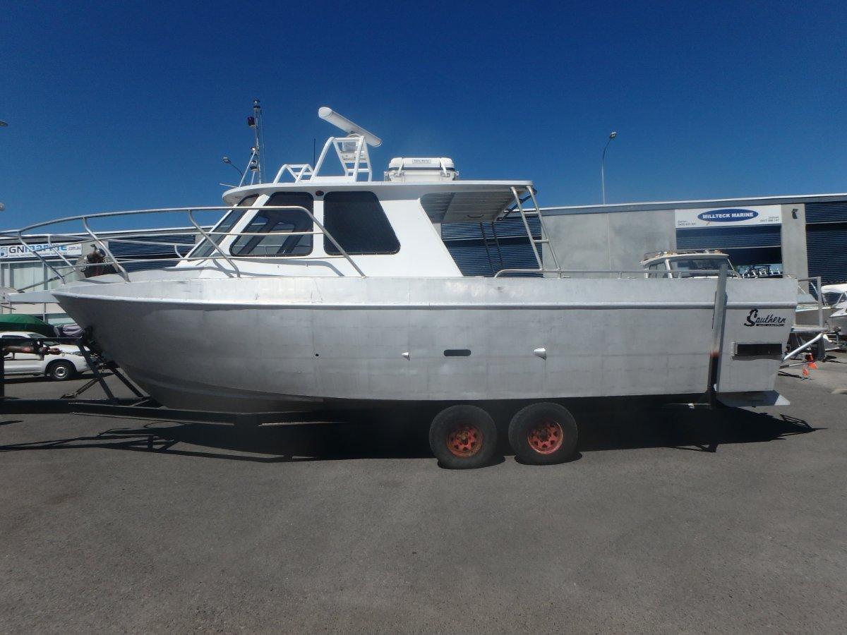 Southern Boat Builders Custom 30 (2c 12+2)