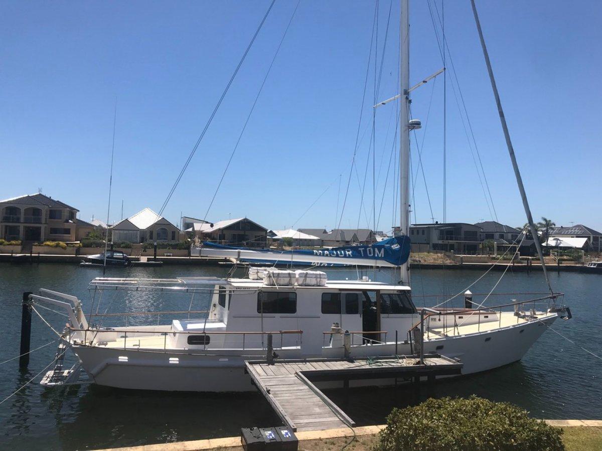 Major Tom Yacht Charters:Major Tom