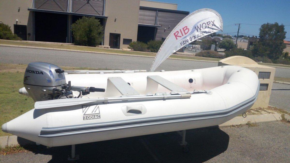 Zodiac Yachtline 340 Inflatable Rigid Hull