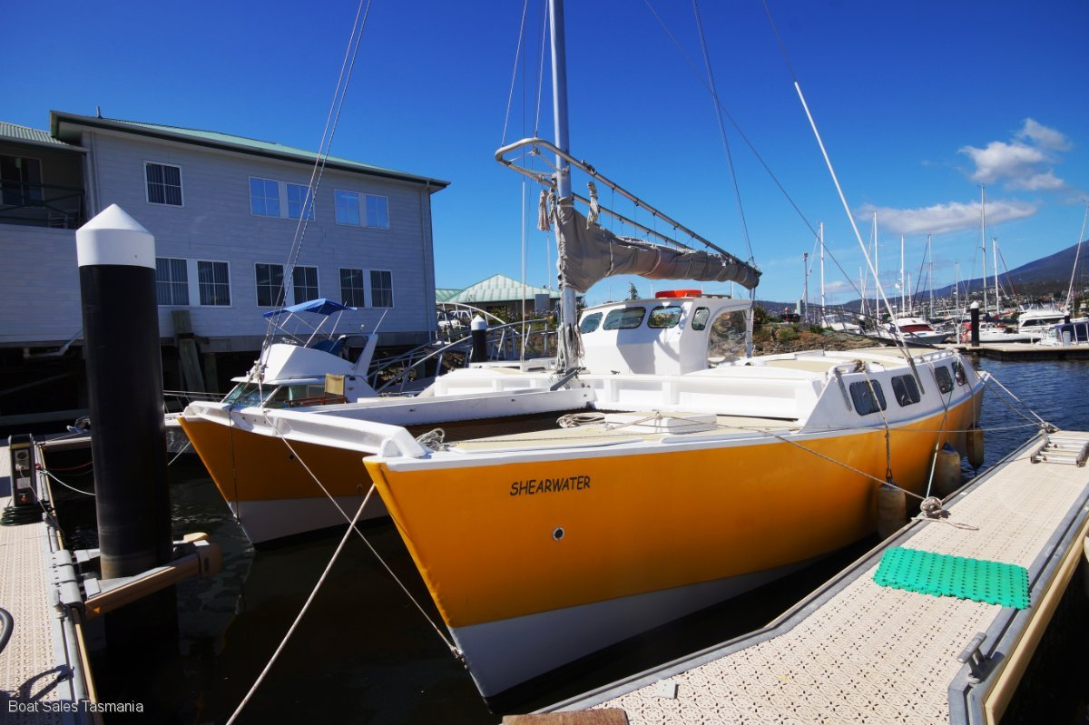 "Murray Isles 30ft catamaran ""Shearwater"""