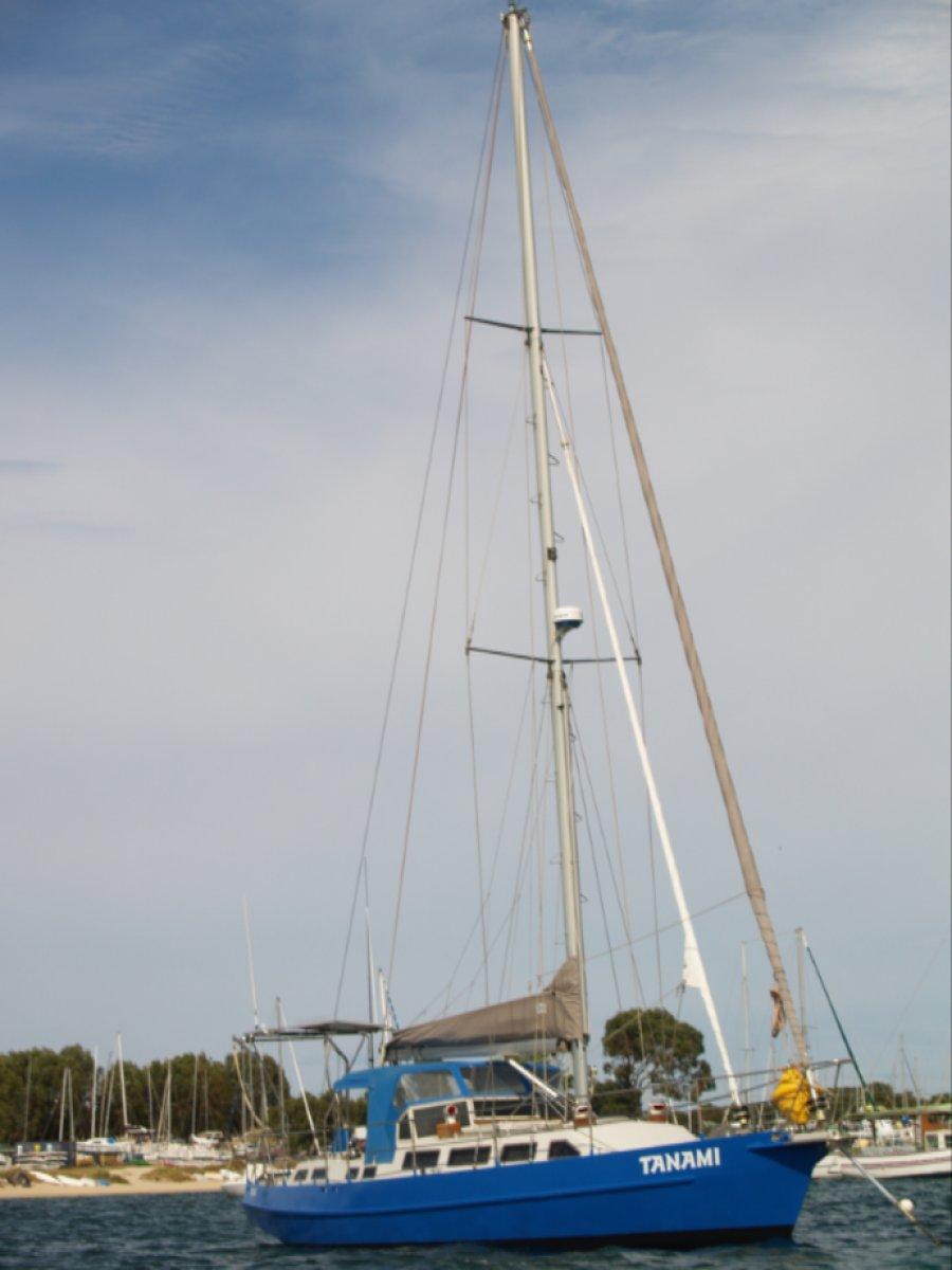 Adams 40 Yacht Adams Cutter 40 steel
