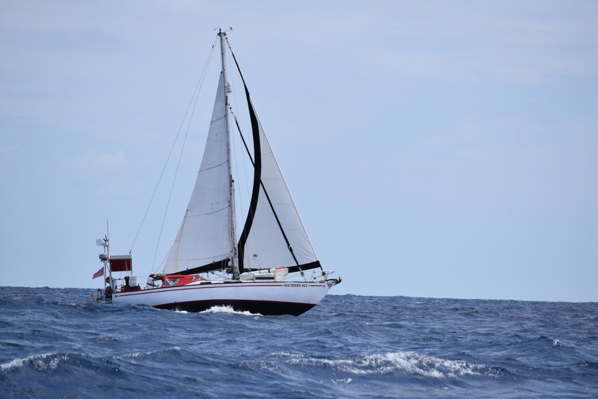 Roberts 38 Offshore Yacht fully fitted out to cruise now:Ocean sailing