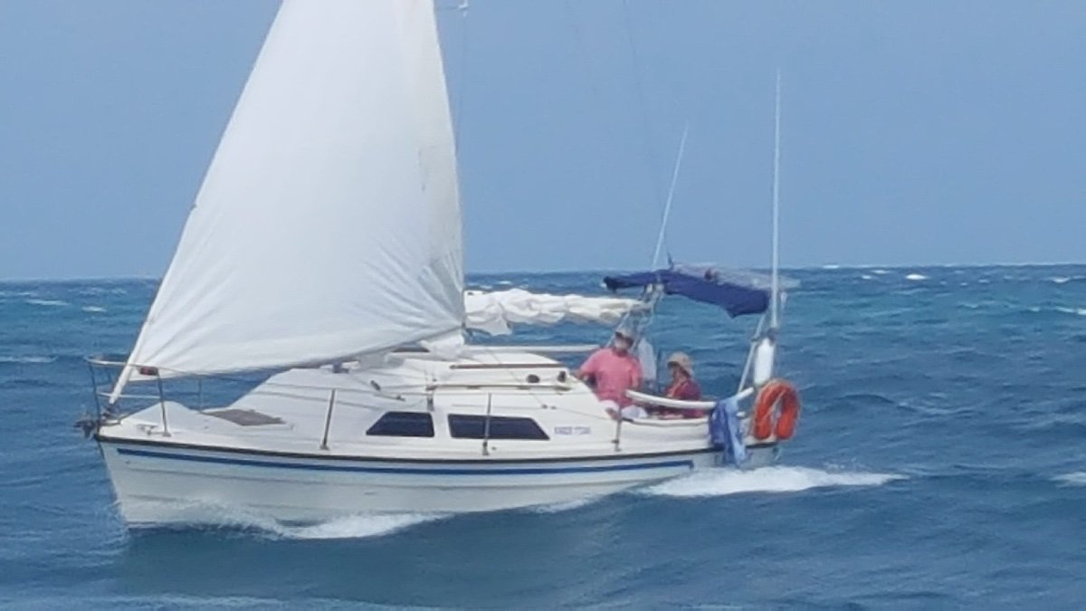 Farr 7500:Boat is always covered