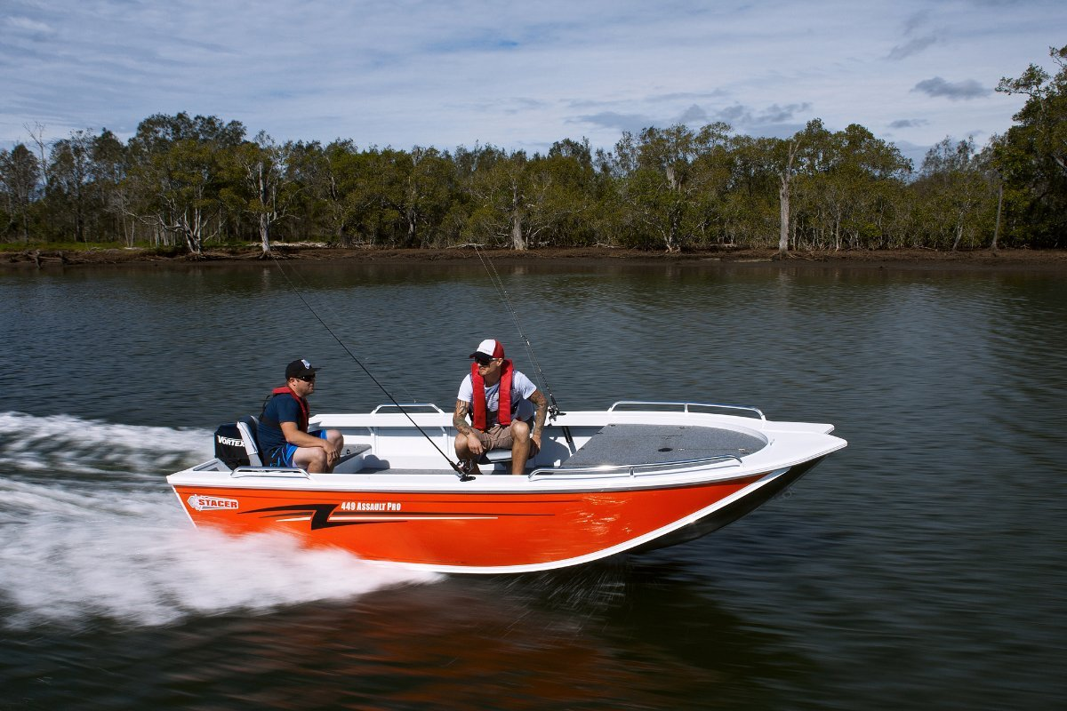 Stacer 449 Assault Pro + Yamaha 40hp Two Stroke Outboard Motor