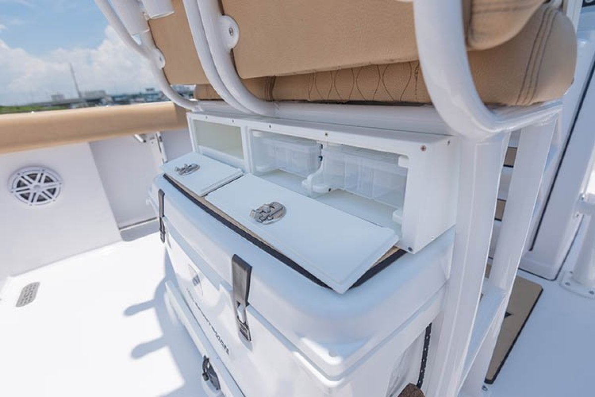 Sportsman Heritage 241 Centre Console WITH ALL STANDARD INCLUSIONS ONLY.