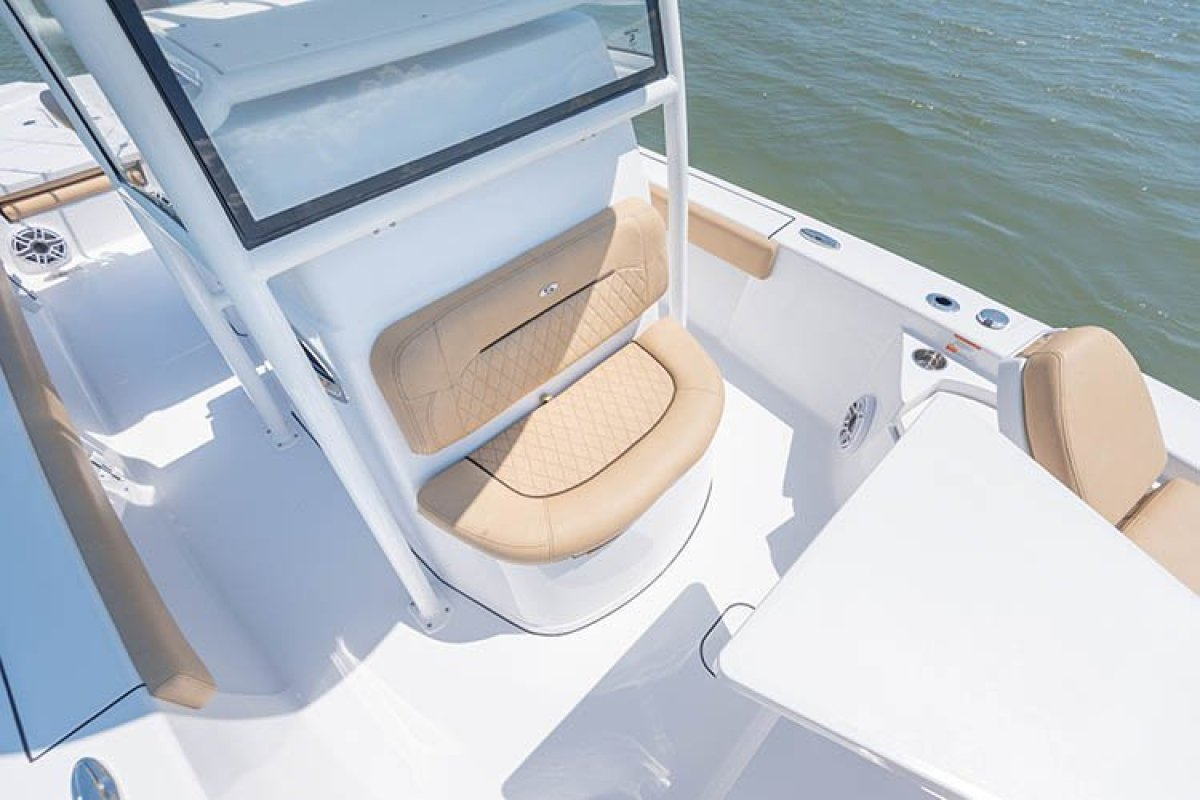 Sportsman Masters 267 Centre Console WITH ALL STANDARD INCLUSIONS ONLY.
