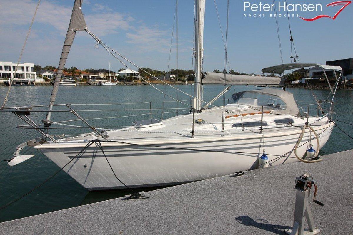 Peter Cole Concept 330 Sailing Yacht