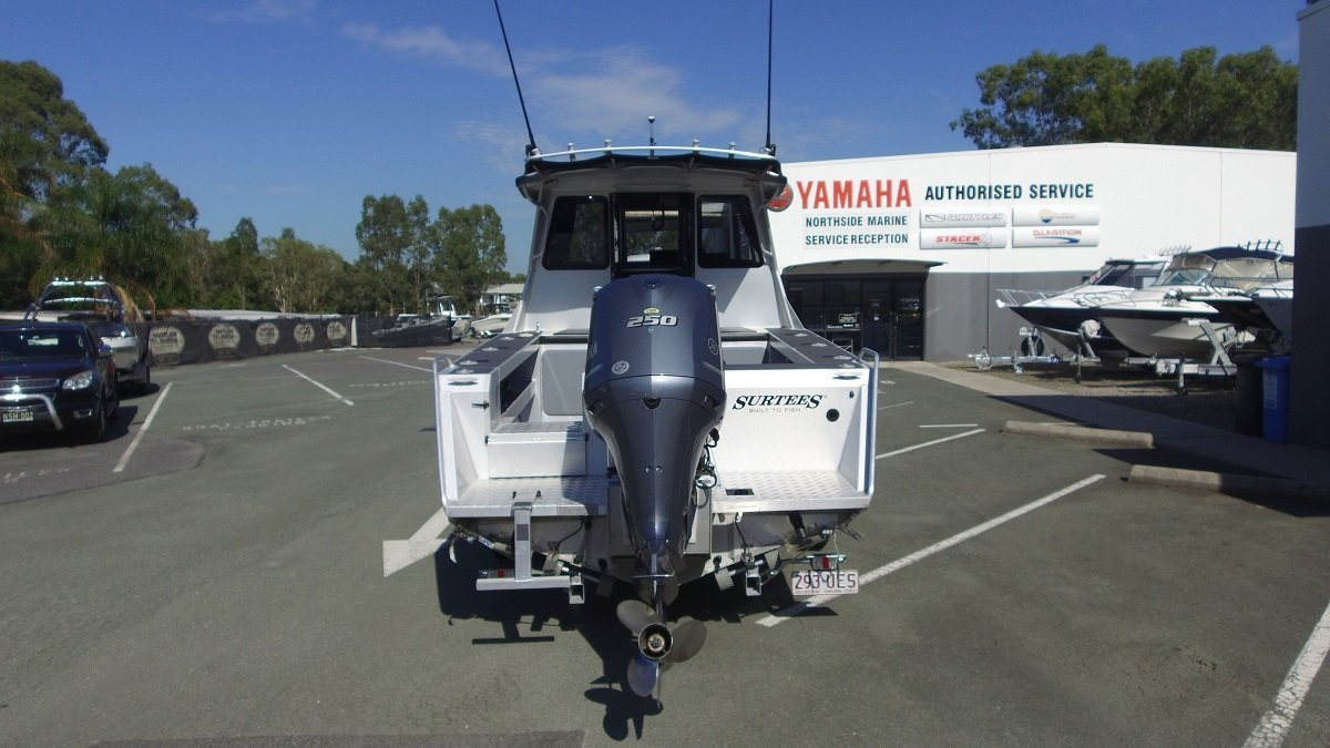 Surtees 750 Gamefisher + Yamaha F250XCA 4-Stroke