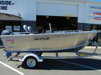 Stacer 429 Outlaw Side Console + Yamaha 30hp Four Stroke Outboard Motor
